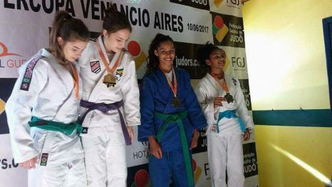 Atleta Kimberly na Super Copa