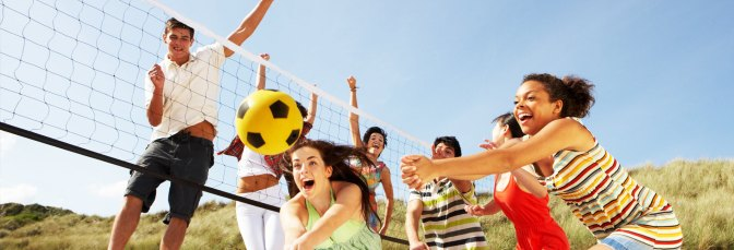 Os jogos em equipe, como o vôlei também trazem bem-estar além de promover a integração.