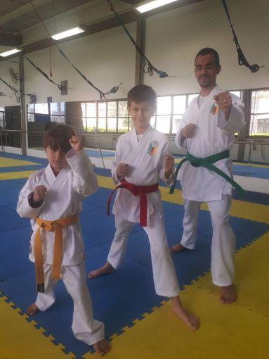 05 José com os filhos David e Pedro Karatê